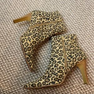 ROUGE HELIUM ANIMAL PRINT SQUARE TOE ANKLE BOOTIES